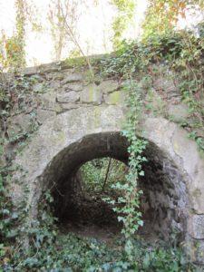 Ponte sul n°8, là dove passava il trenino spinto dalla motrice a pignone.