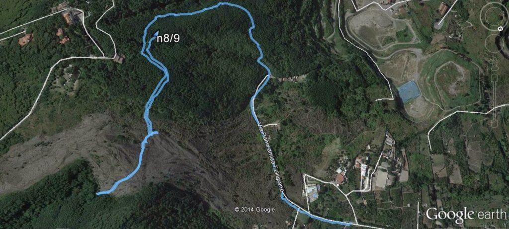Screen shot di Google earth con il tracciato dei sentieri 8 e 9